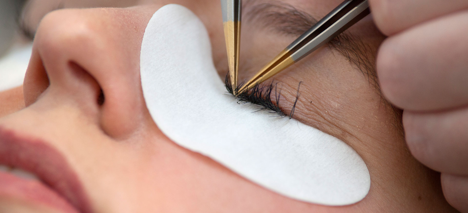 40% off lash extensions and lash fills with Melissa!